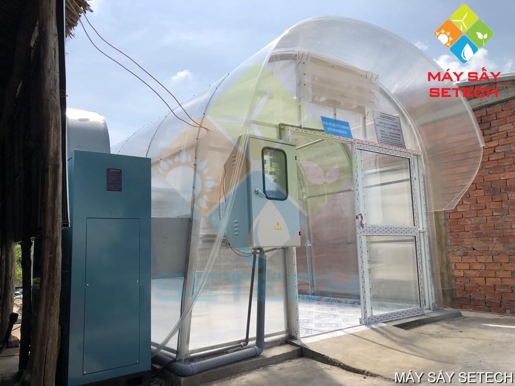 Hệ thống bơm nhiệt hiệu suất cao cấp nhiệt vào ban đêm hoặc trời mưa (màu xanh)