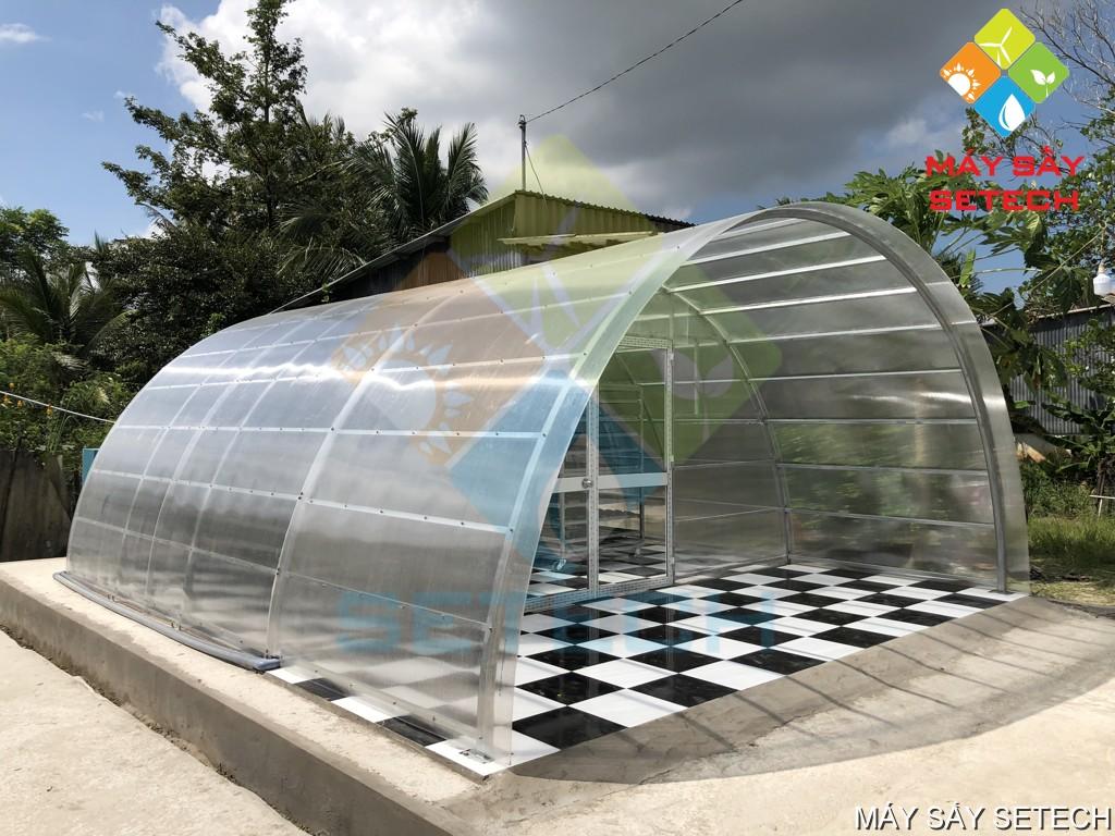 Máy sấy cá cơm bằng năng lượng mặt trời tại Cà Mau