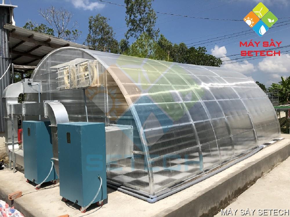 Máy sấy cá năng lượng mặt trời tích hợp công nghệ sấy lạnh.